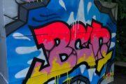 Create a design of your choice in our graffiti collectiveCree un diseño de su elección en nuestro colectivo de grafiti