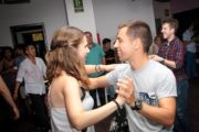 Learn to dance salsa with your friends in Barcelona