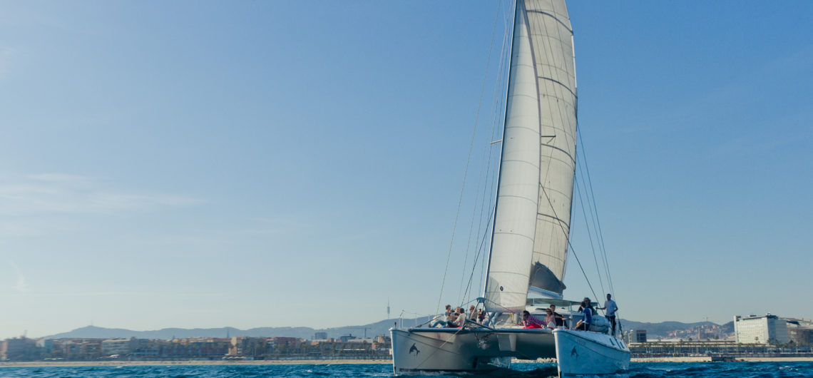 boat trips for large groups in barcelona