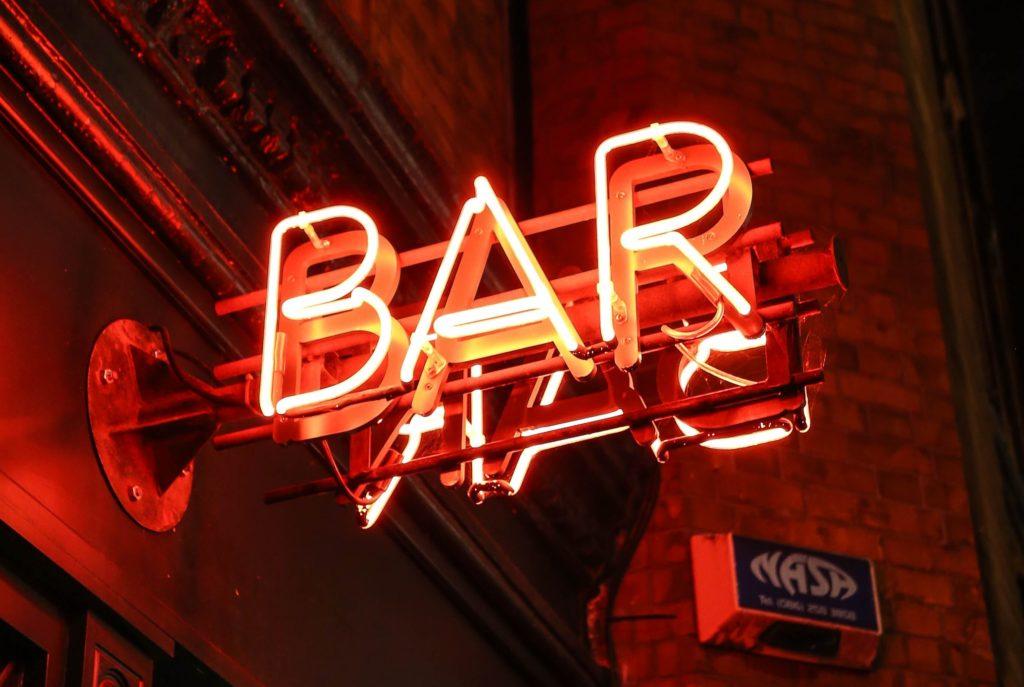 book a bar crawl in barcelona