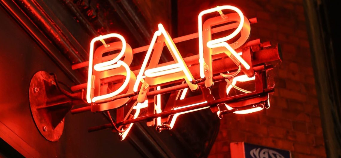 book a bar crawl in barcelona