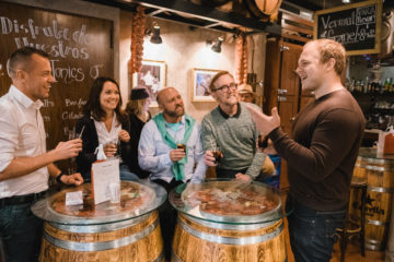 Wine Tasting and Tapas Tour for groups in Barcelona