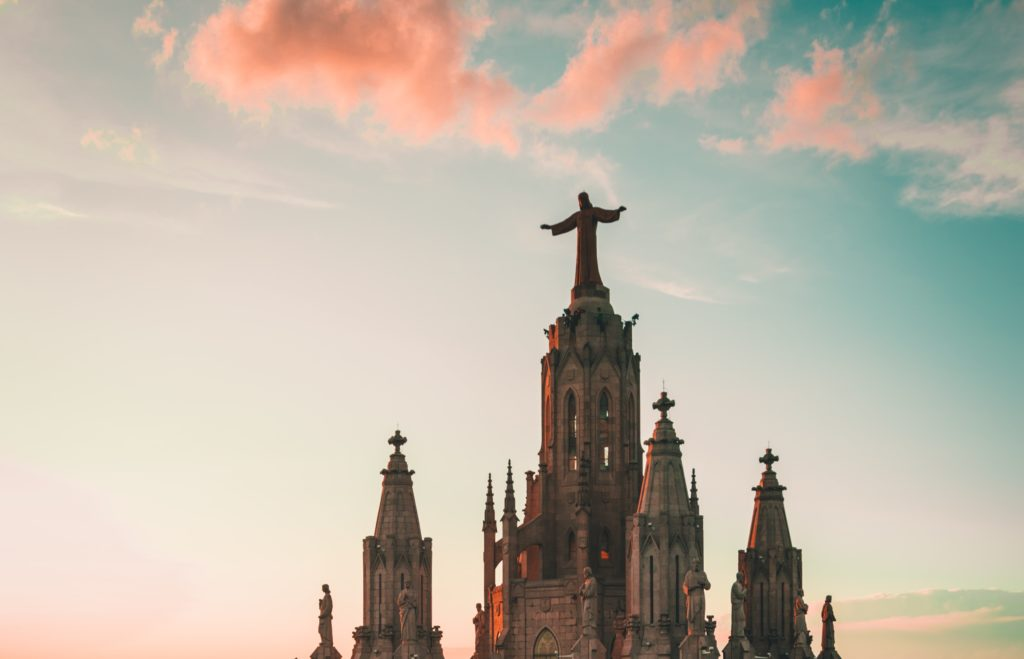 welcome to barcelona, visit famous sights