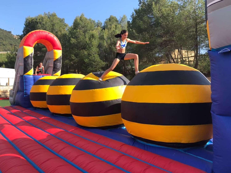 Total wipeout team building actividad en Barcelona