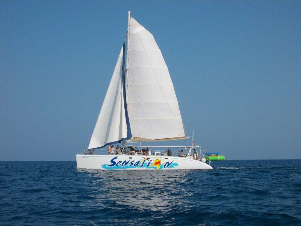 catamaran team activity barcelona